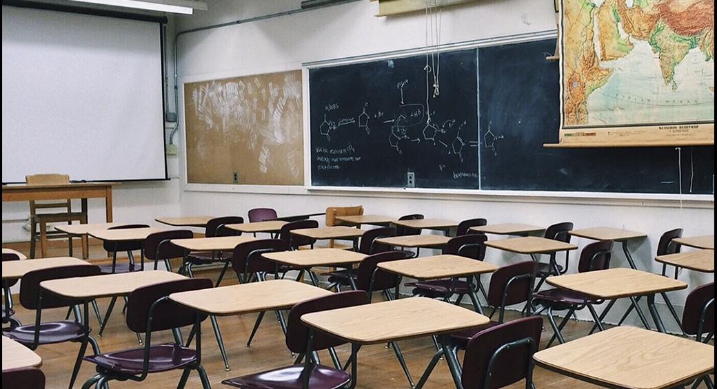 코비드 감염으로 잇따른 학교 폐쇄